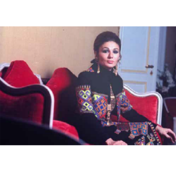 Book of the Week: Iran Modern - Empress of Art